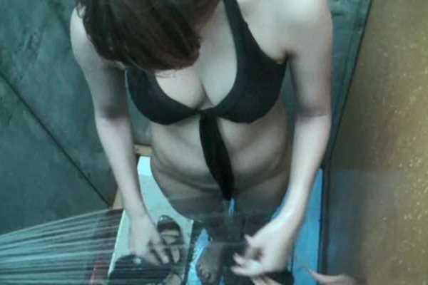 海の家 シャワー室 盗撮 エロ画像 1