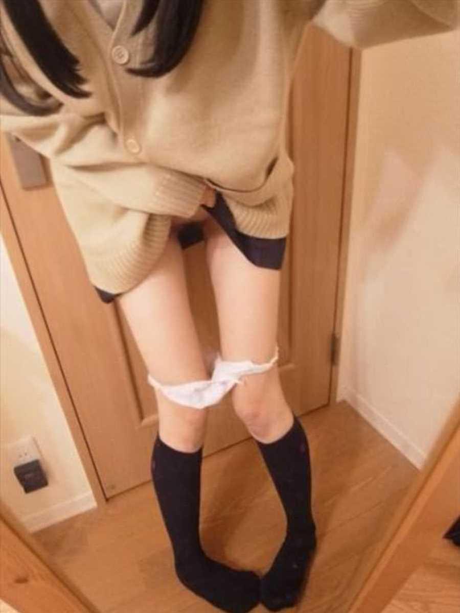 女子高生の自撮りエロ画像 54