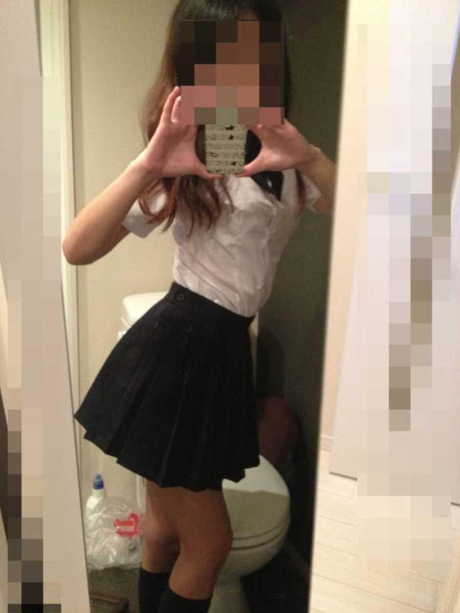 女子高生の自撮りエロ画像 57