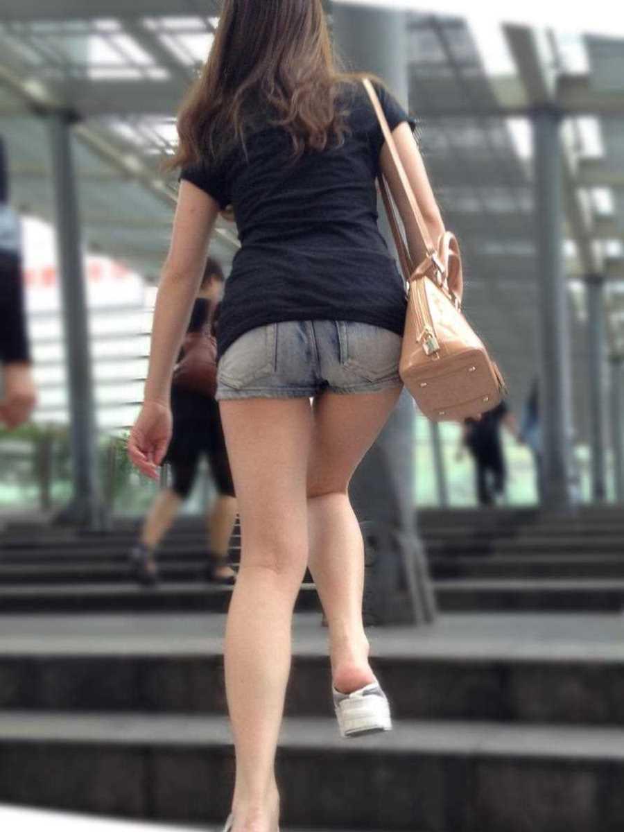 ホットパンツのエロ画像!!短パン素人を街撮りした130枚