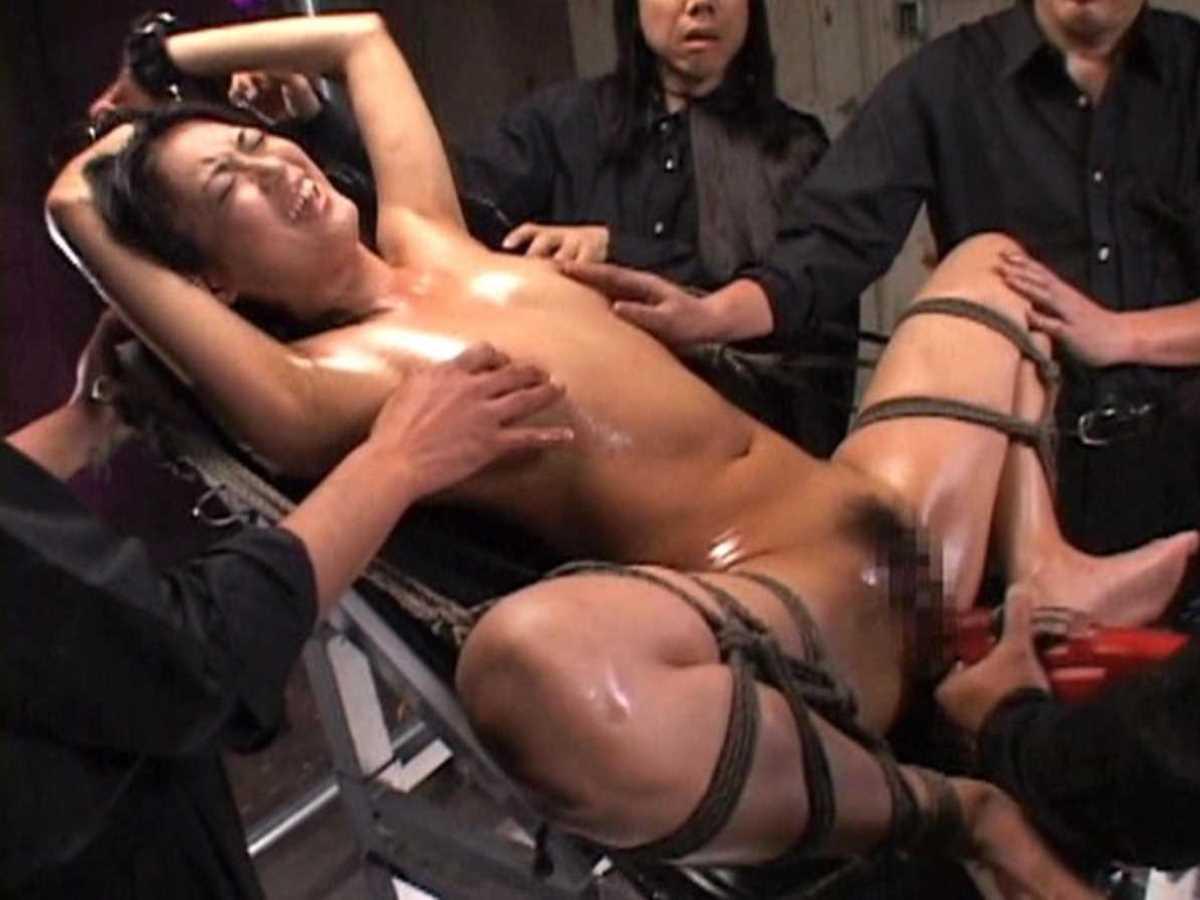 緊縛などの拘束バイブ責め画像 25
