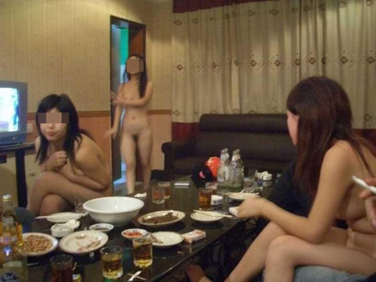 女子会 エロ画像 3