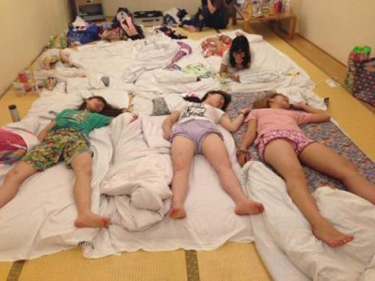 女子会 エロ画像 4