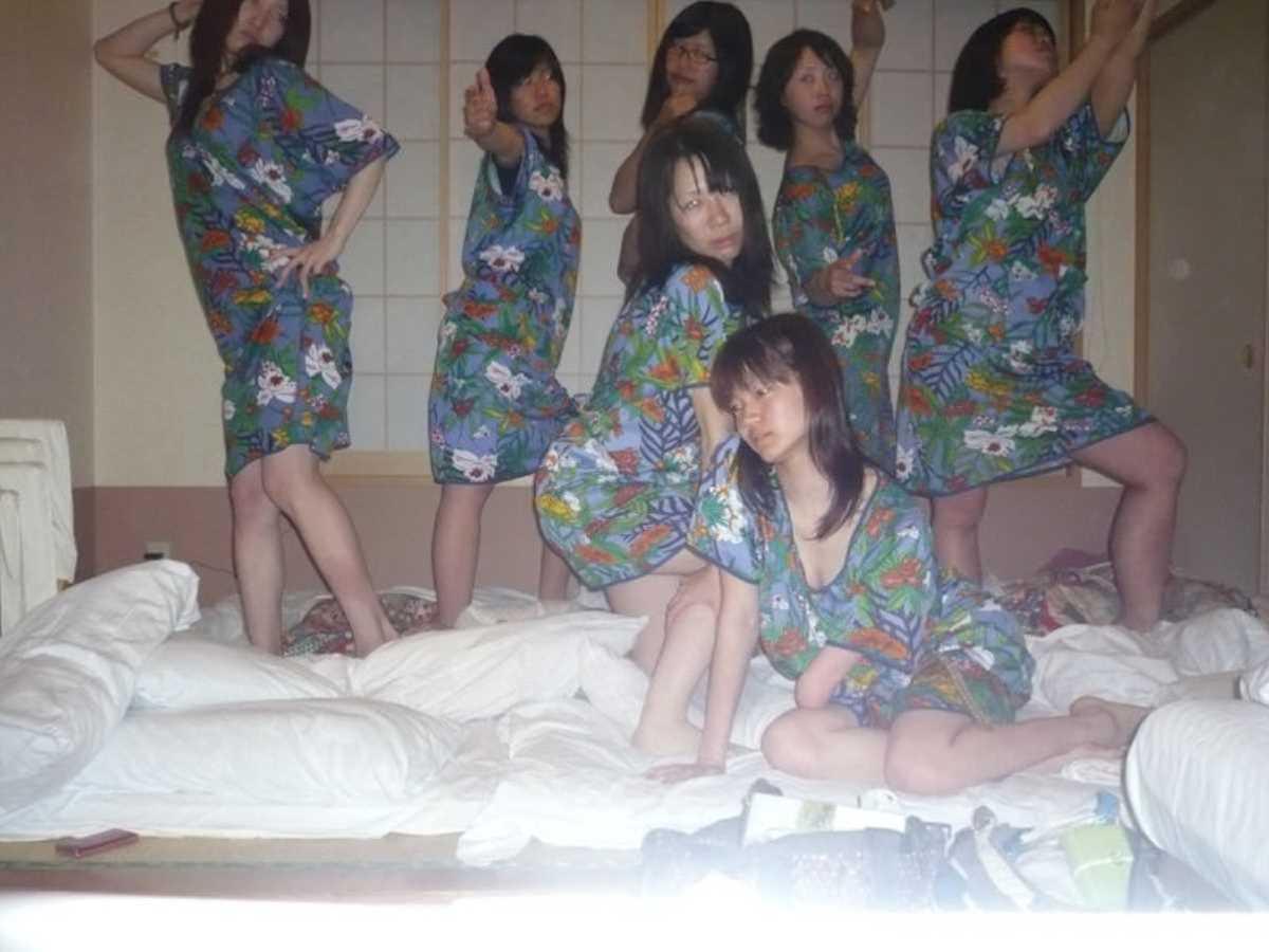 女子会 エロ画像 28