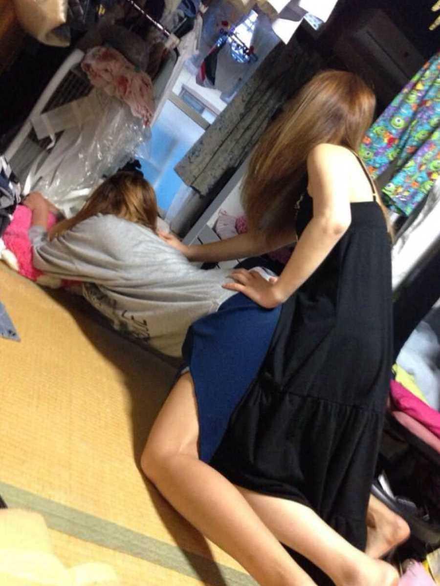 女子会 エロ画像 36