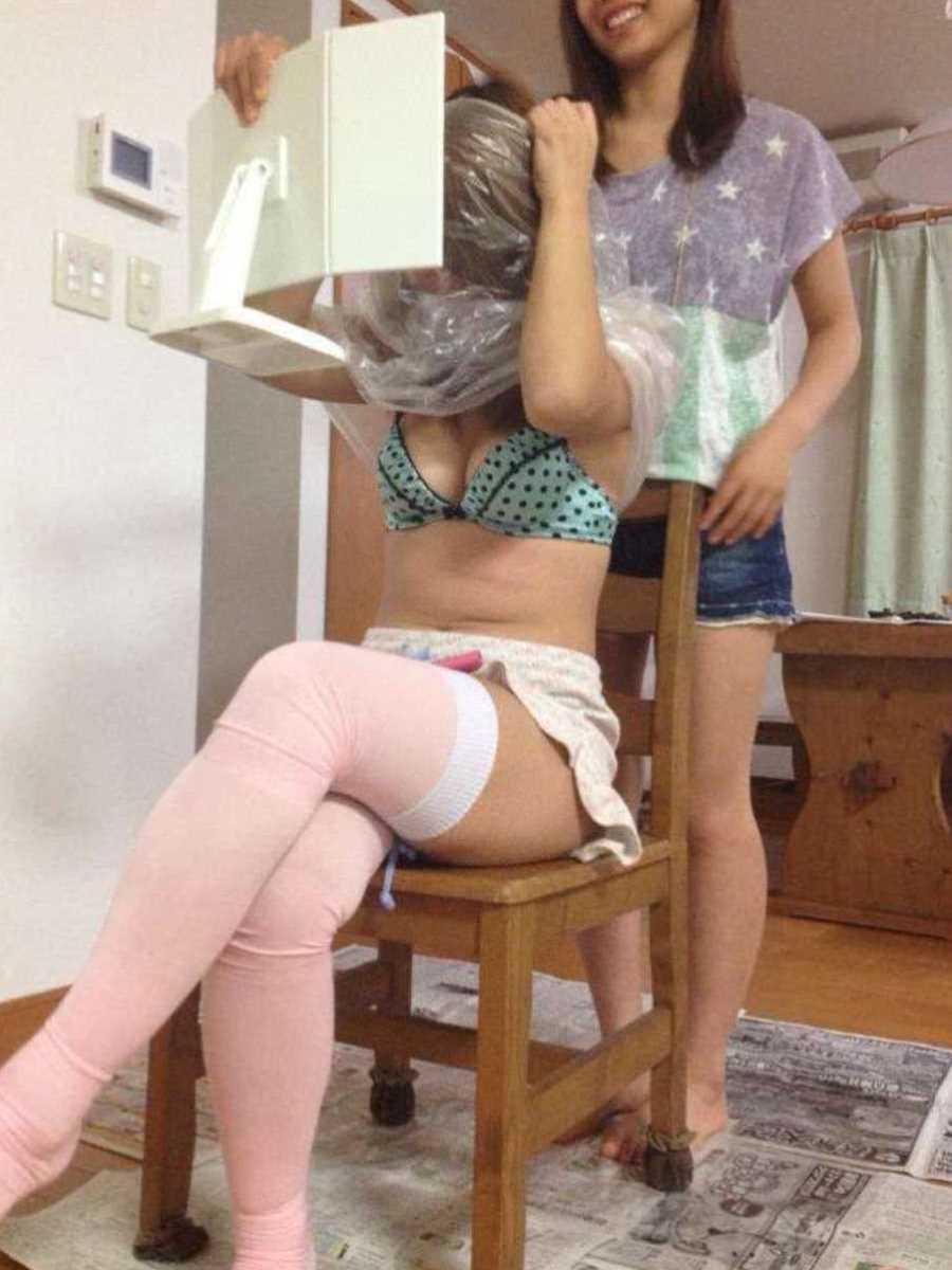 女子会 エロ画像 38