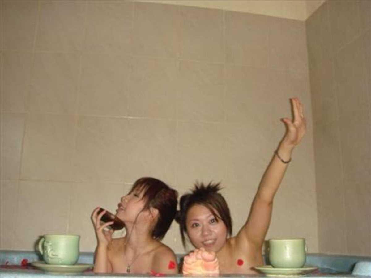女子会 エロ画像 65