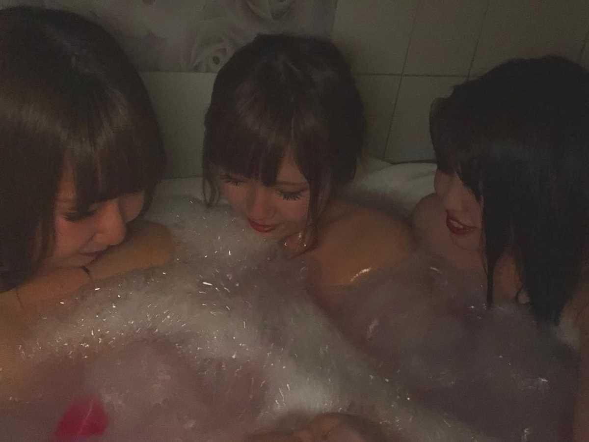 女子会 エロ画像 67