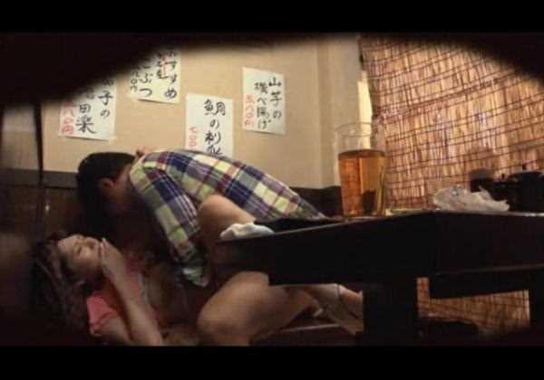 居酒屋 個室 盗撮 エロ画像 2