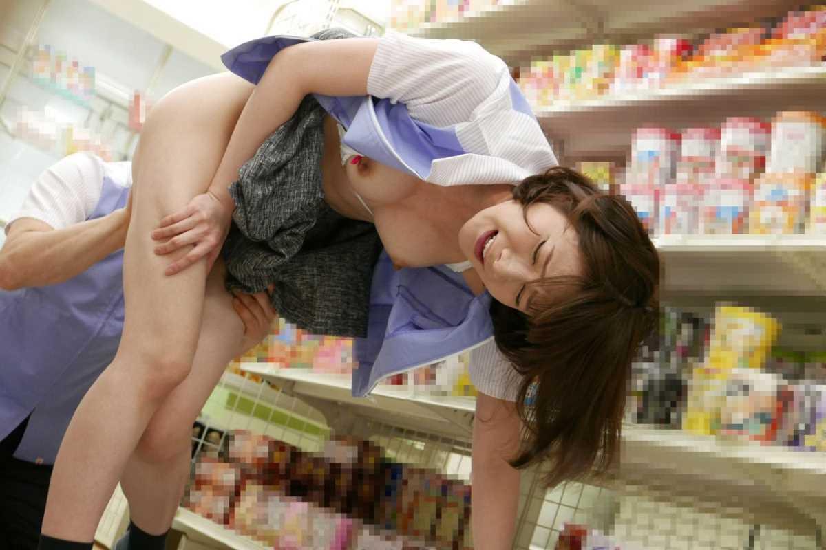 店内 セックス画像 3