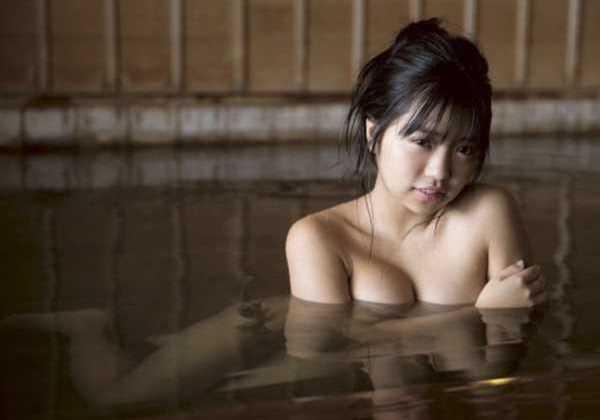 大原優乃が温泉入浴で乳首まる見え…(※エロ画像あり)