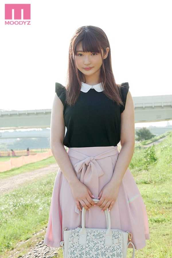 高岡美鈴 巨乳がコンプレックスなHカップ女子大生エロ画像