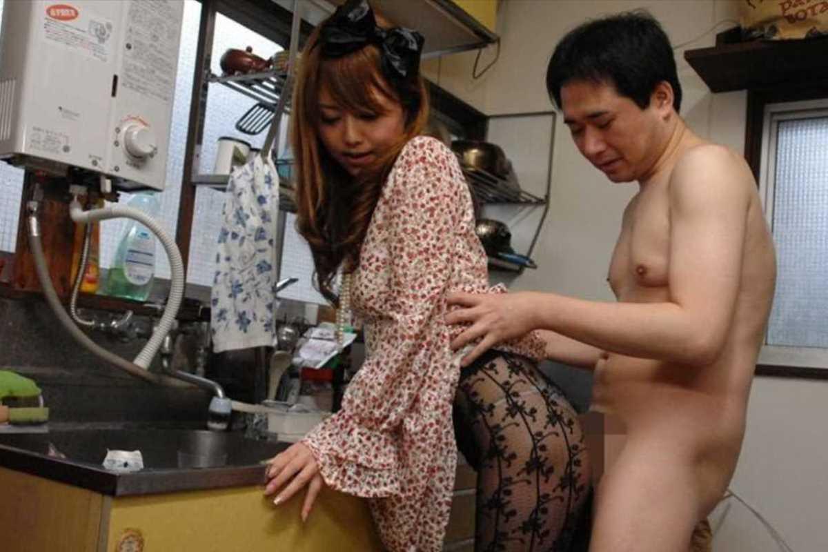 台所でのセックス画像 110
