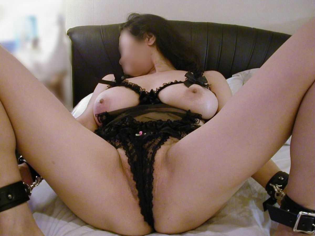 垂れ乳の人妻エロ画像 50