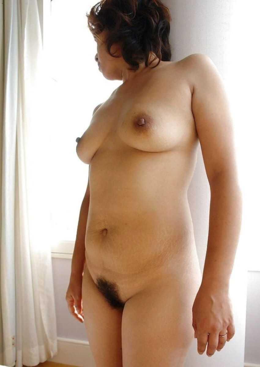 垂れ乳の人妻エロ画像 85