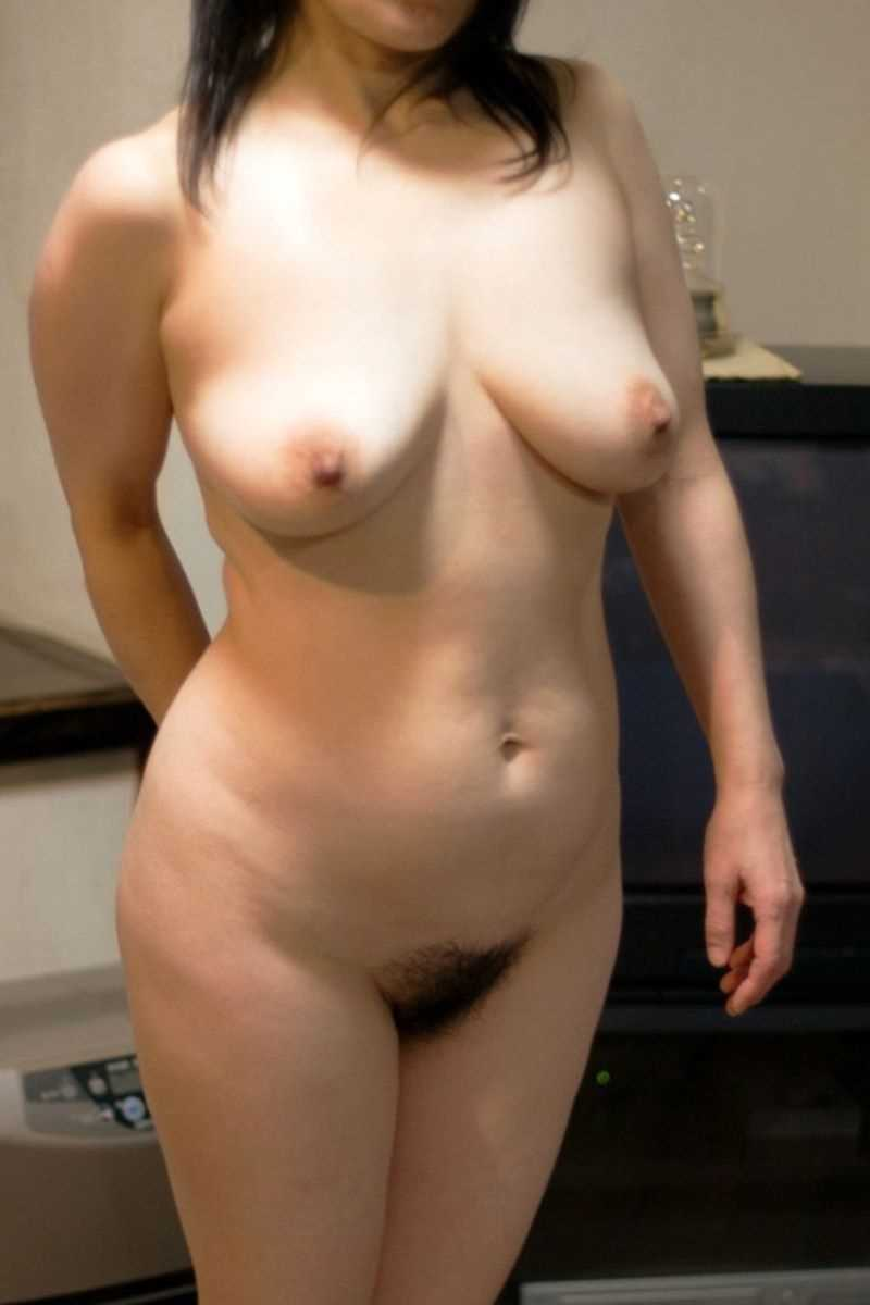 垂れ乳の人妻エロ画像 101