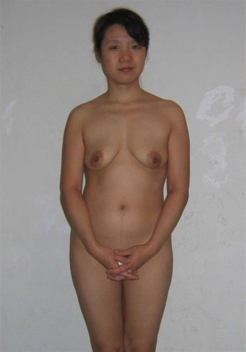 垂れ乳の人妻エロ画像 103