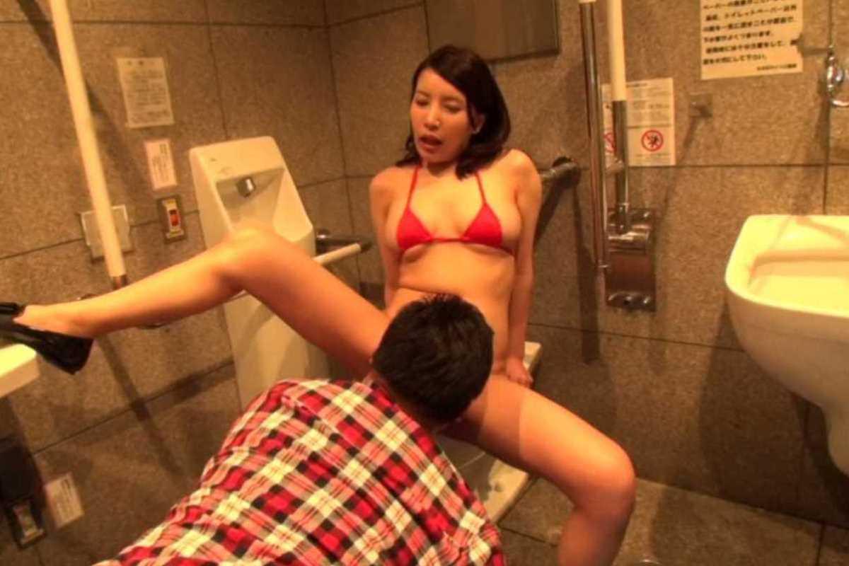 公衆便所などトイレのセックス画像 91