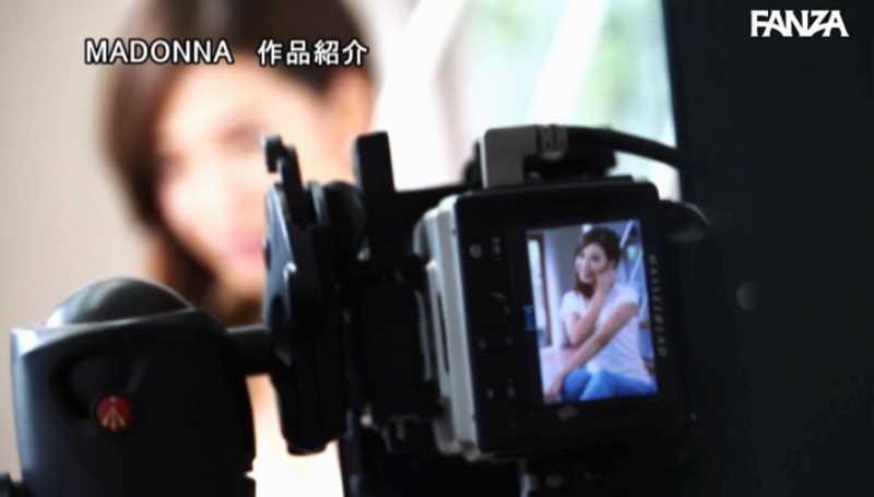 ITセレブの美人妻 水川愛絆 エロ画像 15