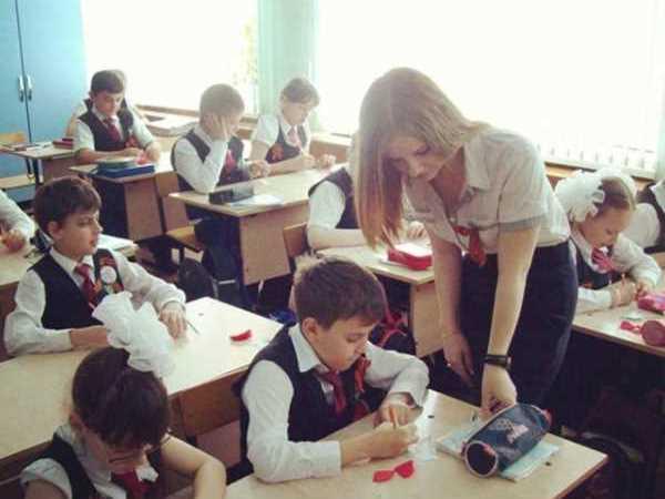 ロシア 女教師 セクシー エロ画像 1