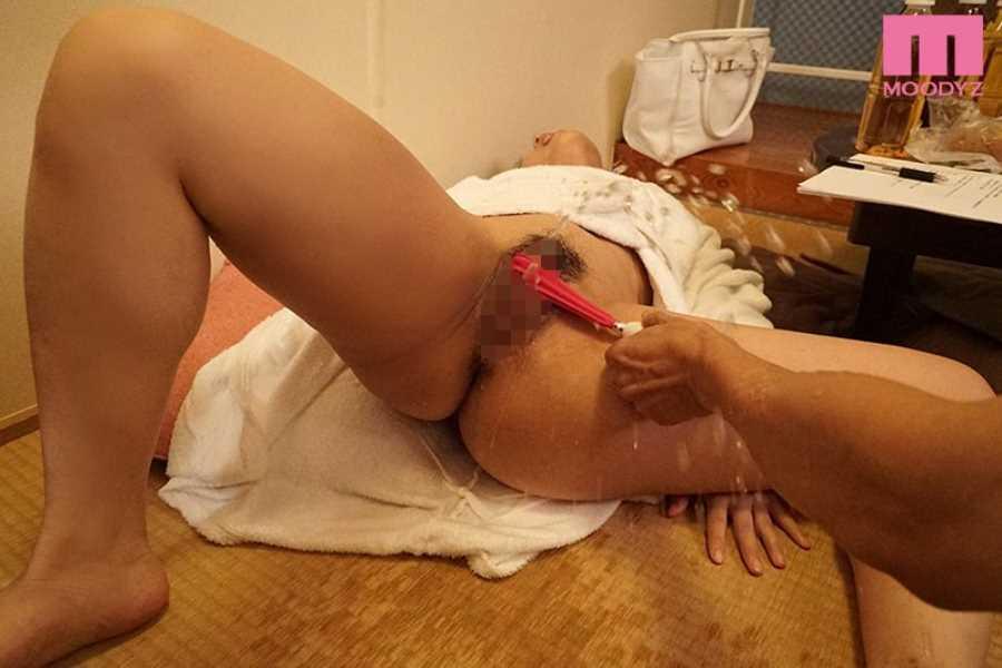 おまんこを舐め続ける追撃クンニ画像 3