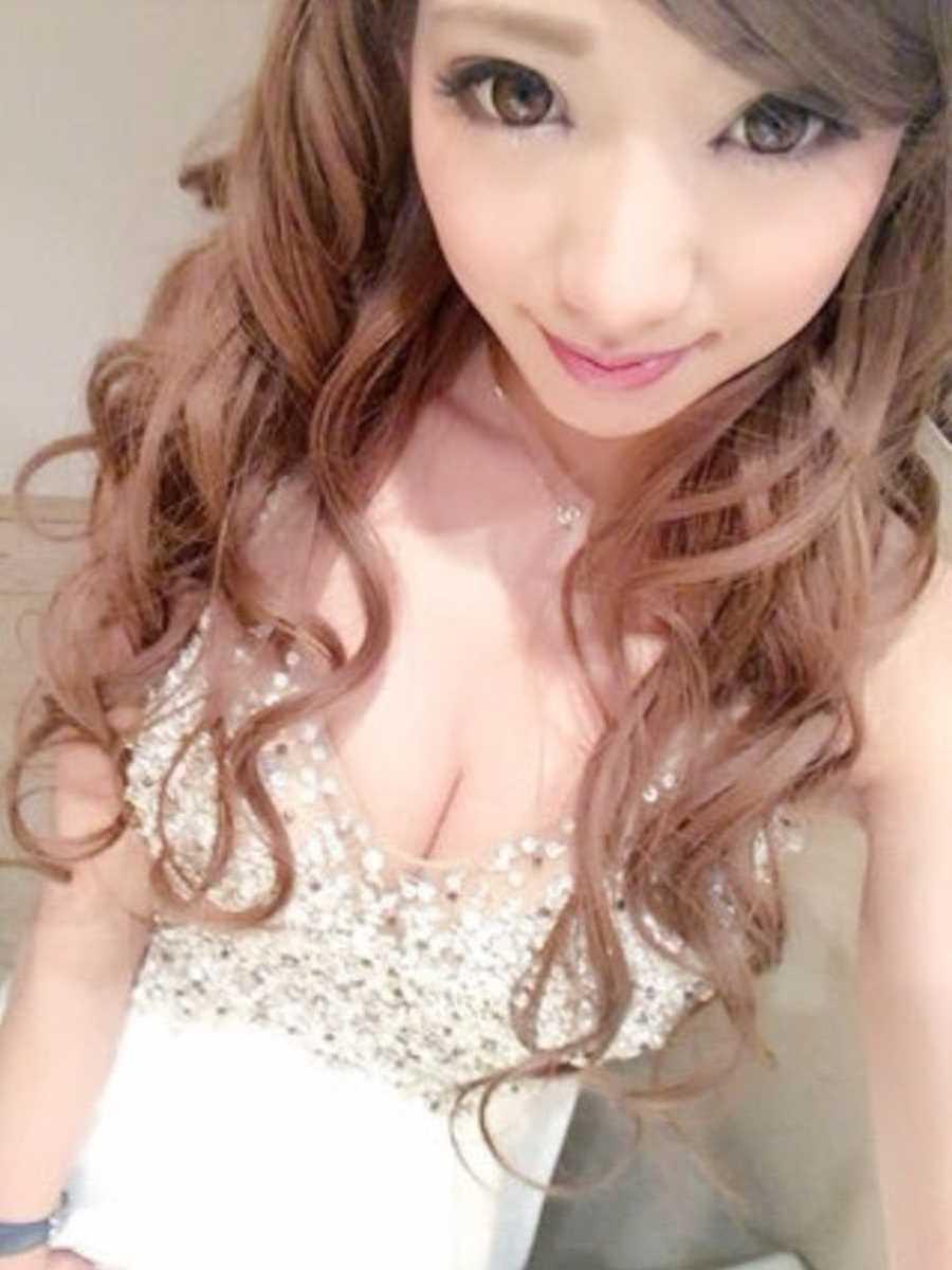 キャバ嬢 胸チラ エロ画像 23