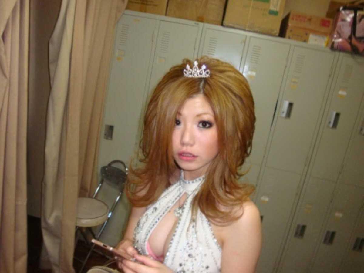 キャバ嬢 胸チラ エロ画像 48