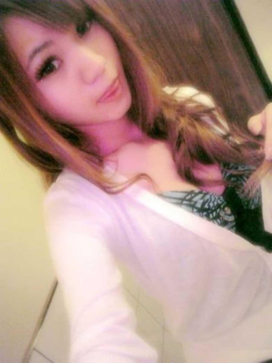 キャバ嬢 胸チラ エロ画像 60