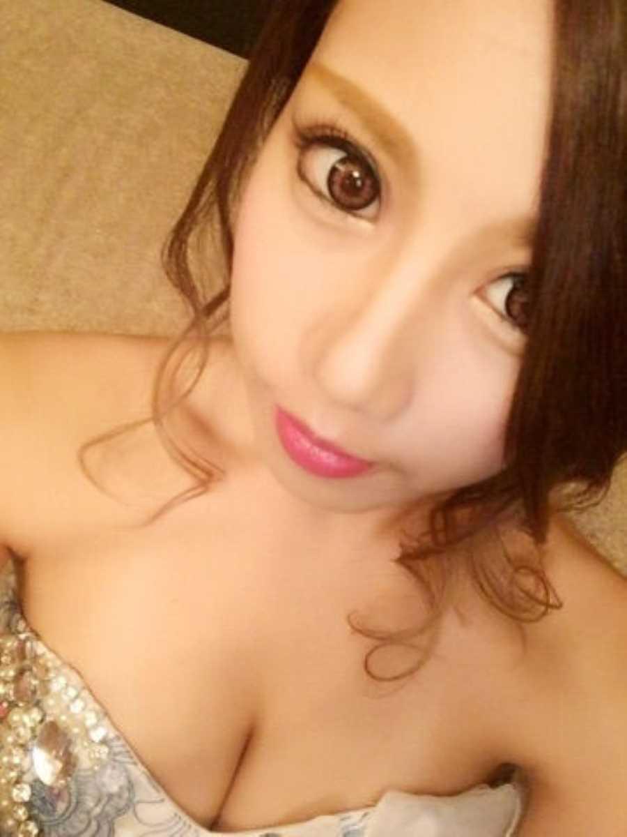 キャバ嬢 胸チラ エロ画像 61