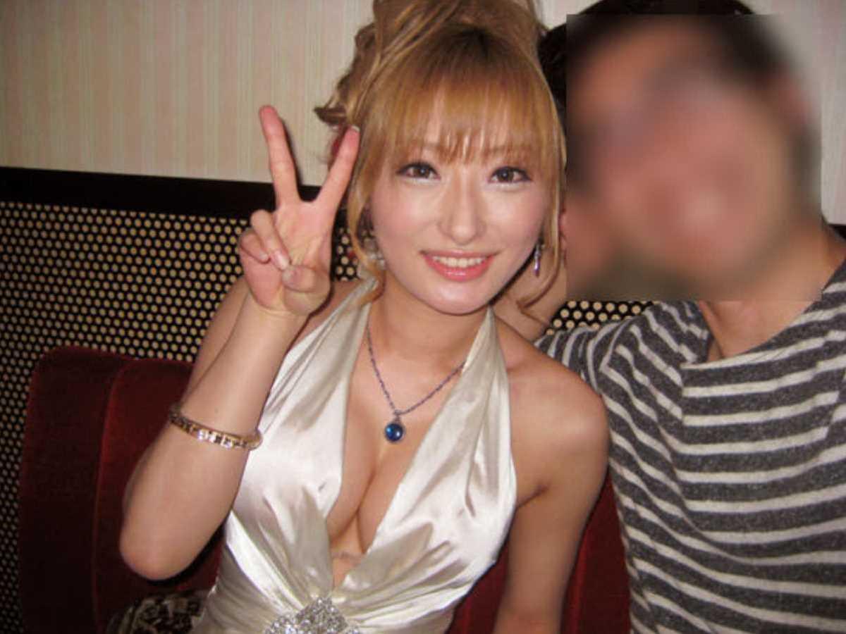 キャバ嬢 胸チラ エロ画像 105
