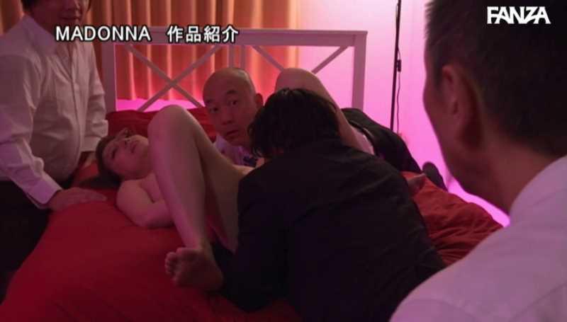 熟女の串刺しセックス画像 33