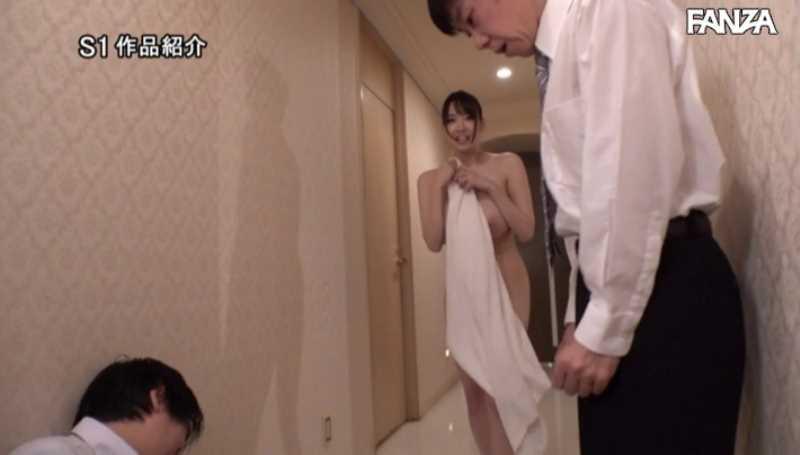 神乳の着衣ノーブラ画像 21
