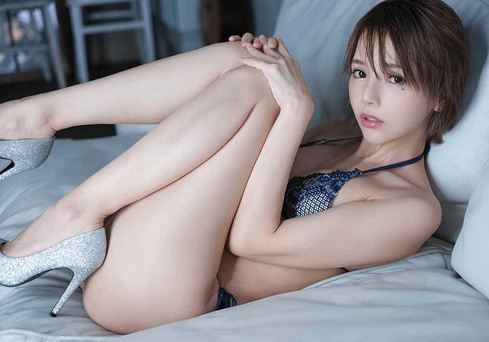 広瀬りおな スレンダー美乳の芸能人セックス画像