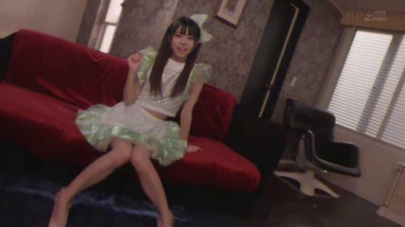 小柄アイドルの巨根オーガズム画像 16