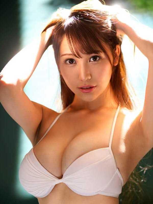美人モデル 叶ユリア エロ画像 1