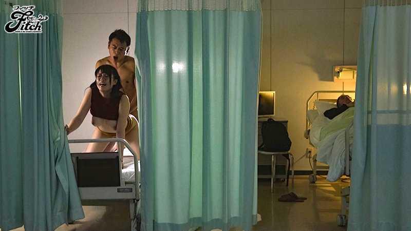 病院内の不倫セックス画像 11