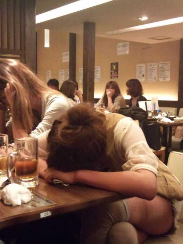 素人女性の泥酔エロ画像 8