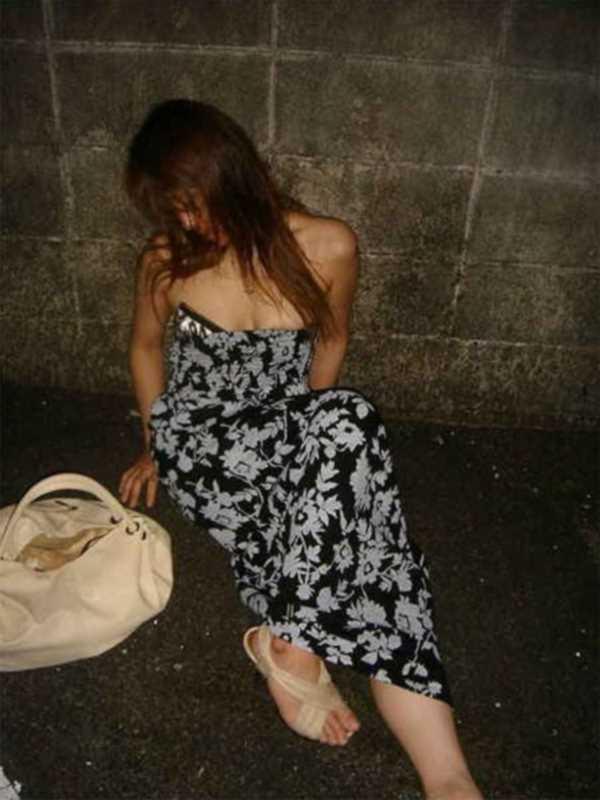 素人女性の泥酔エロ画像 60