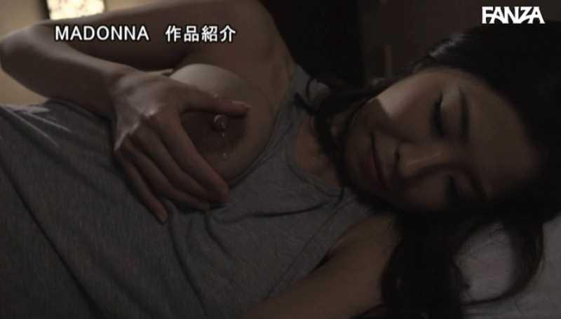 母乳ママの授乳セックス画像 65