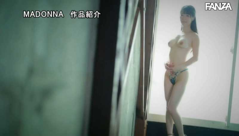 白肌の黒髪美人妻・豊崎みさとエロ画像 21
