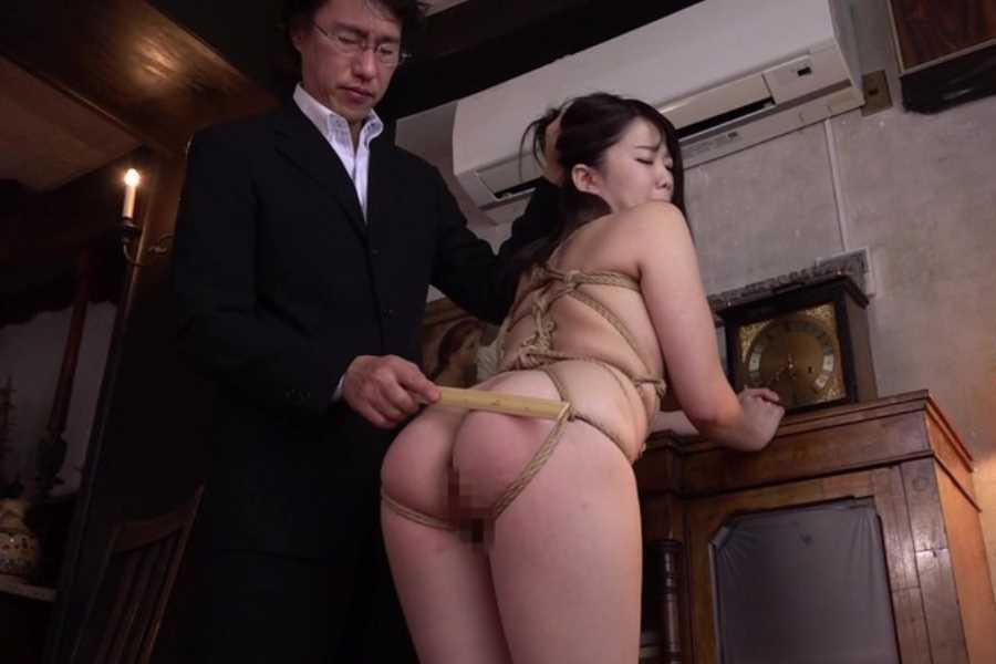爆乳JKの制服緊縛エロ画像 8