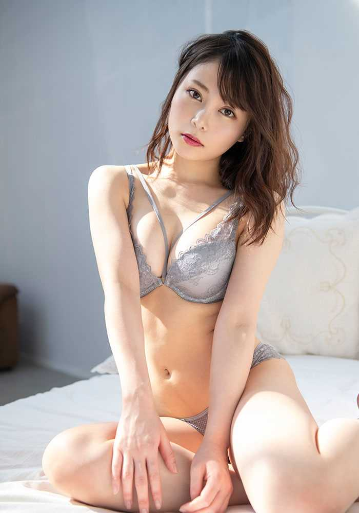 Gカップ美女 希代あみ エロ画像 8