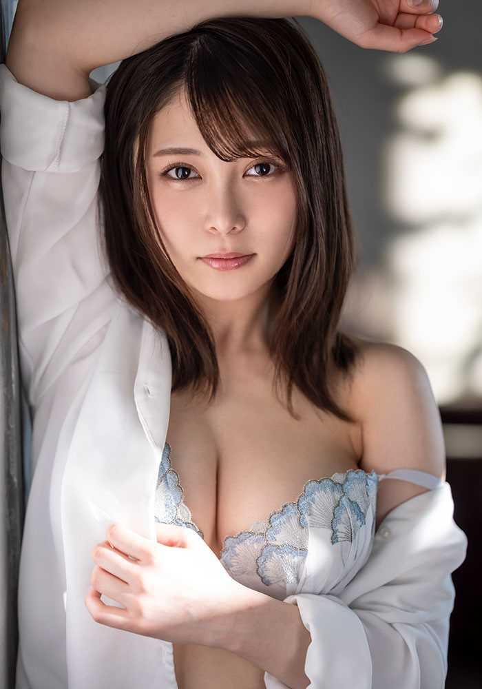 Gカップ美女 希代あみ エロ画像 13