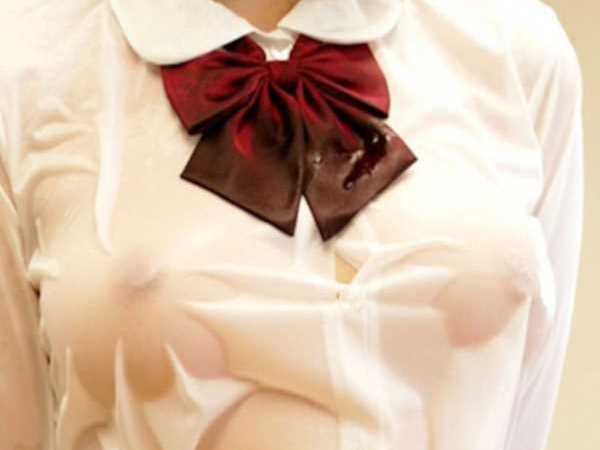 おっぱい 透ける 制服JK 透け乳首 エロ画像 2