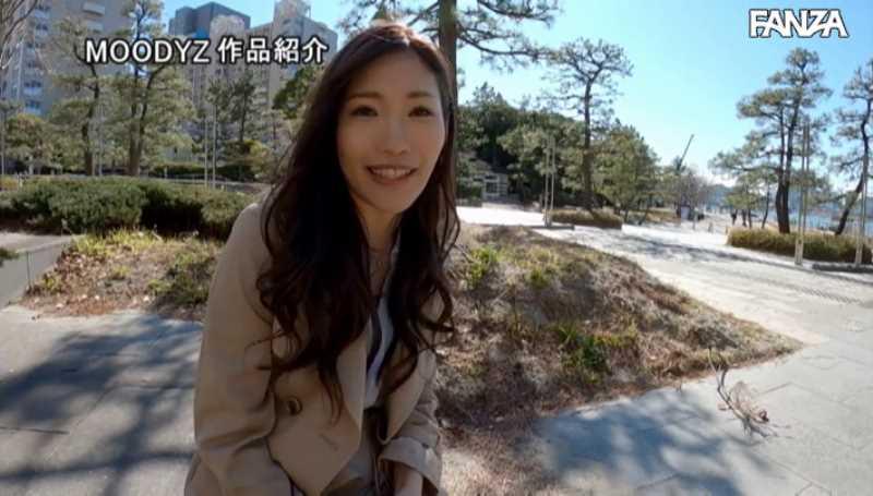 スレンダー巨乳美女 黒谷咲紀 エロ画像 17