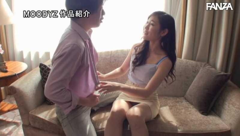 スレンダー巨乳美女 黒谷咲紀 エロ画像 21