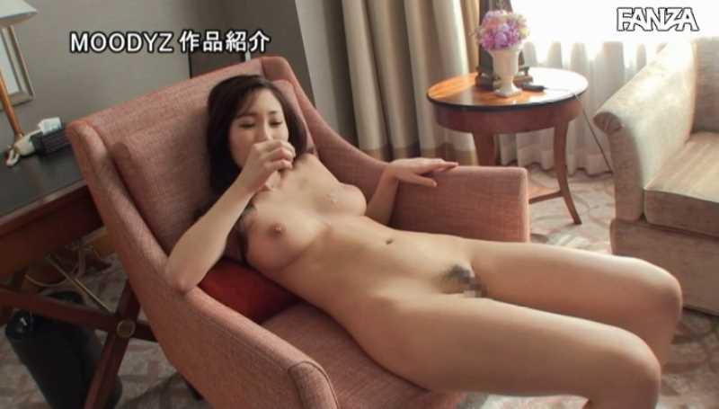 スレンダー巨乳美女 黒谷咲紀 エロ画像 30