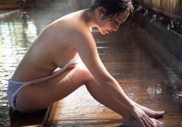 塩地美澄 入浴ヌード エロ画像 2