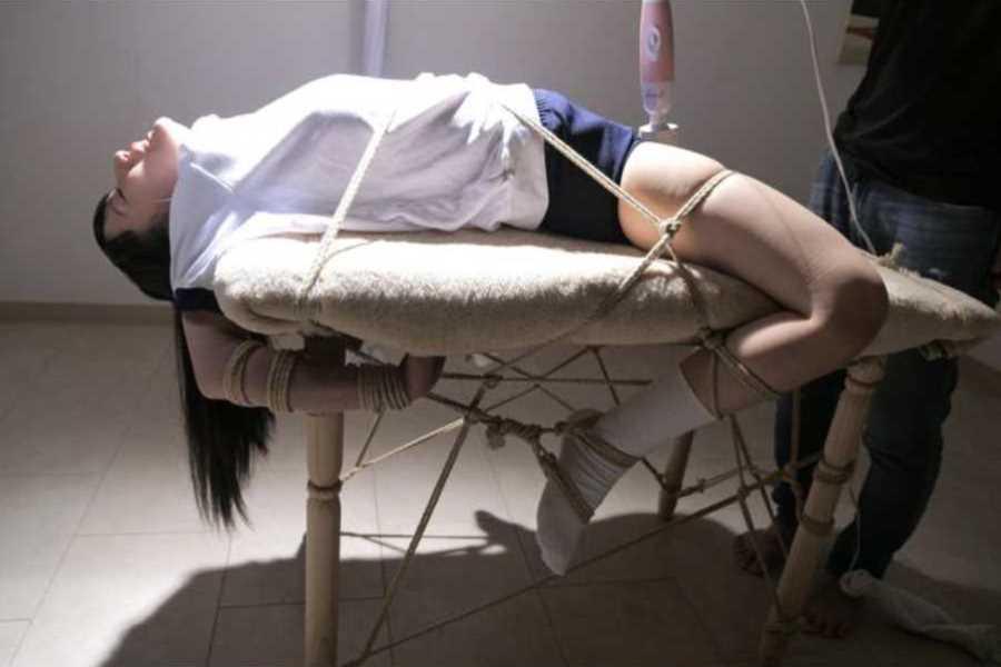 吉岡里帆似のAV女優エロ画像 4