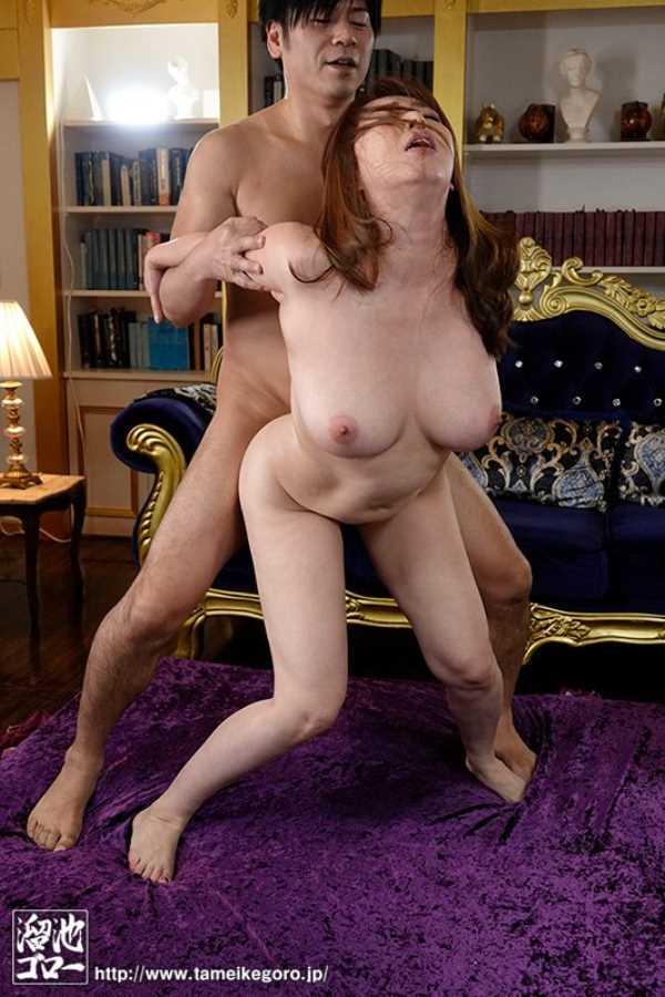 熟女のオーガズム性交エロ画像 10